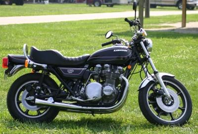 Kawasaki KZ1000B2 LTD Page 1