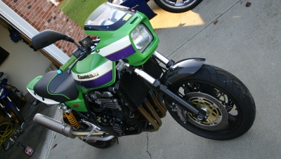 Kawasaki ZR1100C ZRX1100 99 Front Angle